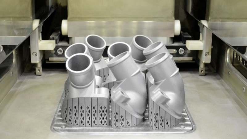 """Грузовики """"Mercedes"""" начали печатать на принтере"""