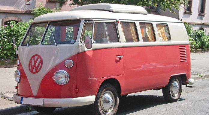 Культовый микроавтобус Volkswagen T1 празднует юбилей