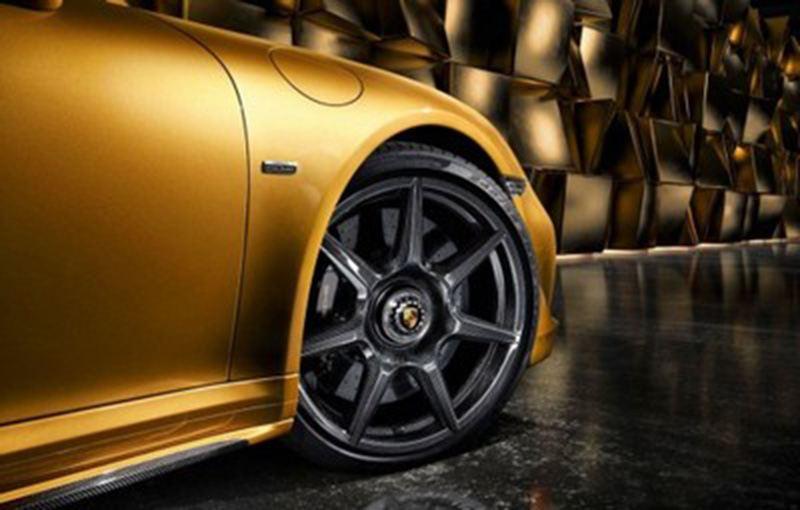 Porsche предлагает комплектовать модель 911 колесами из углеродного волокна