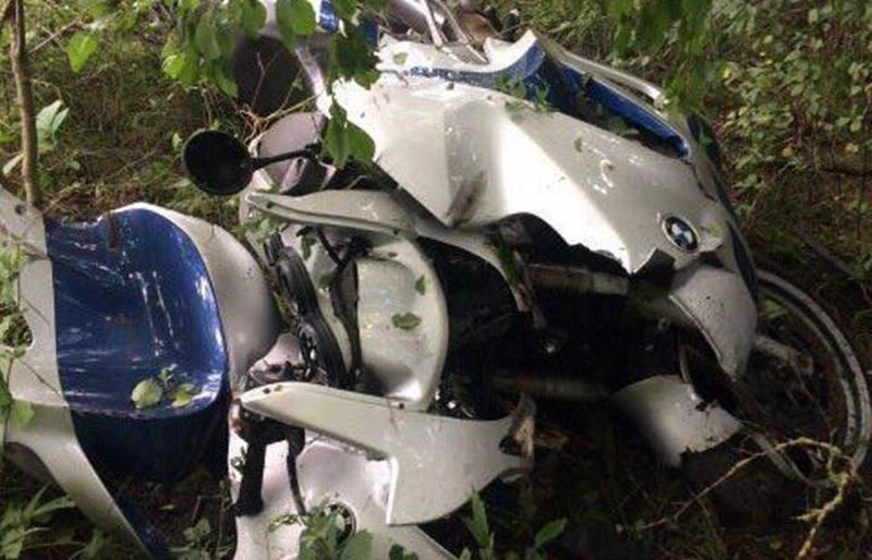 В Клецком районе мотоциклист врезался в рулон сена