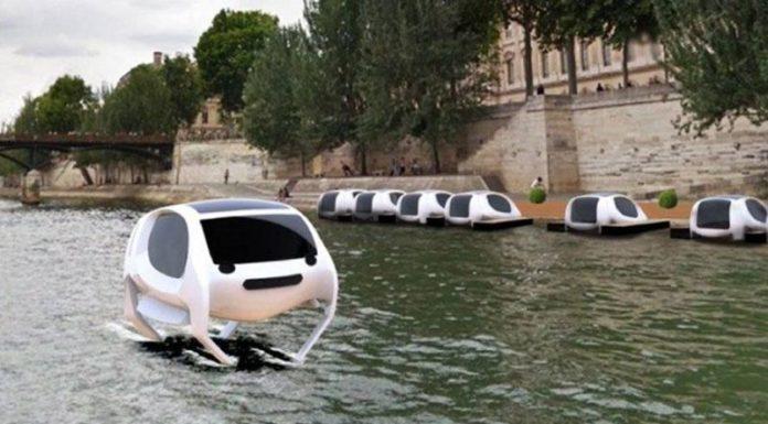 В Париже появилось такси на подводных крыльях