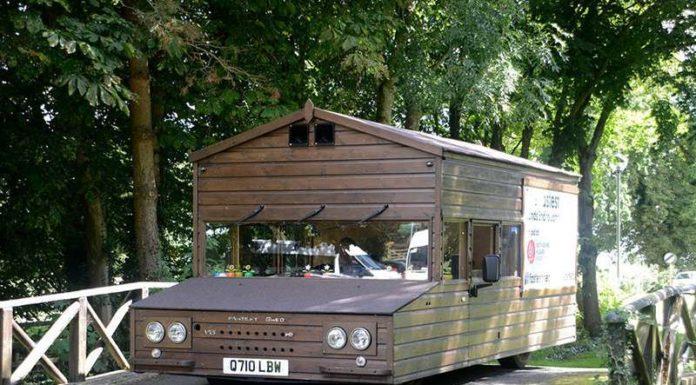 Британец на базе VW Passat построил сарай