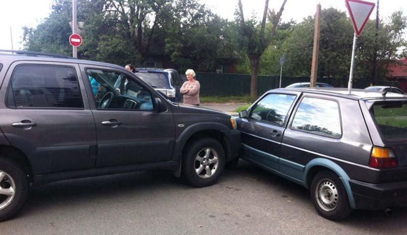 В Минске 11-летний школьник сел за руль авто и совершил ДТП