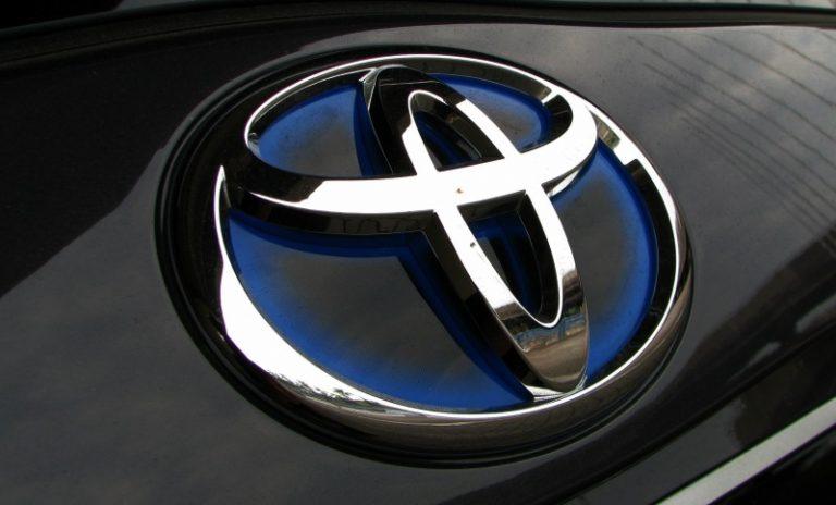 Тoyota запатентовала механическую КП для начинающих водителей!
