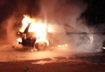 В Островце загорелся «Фольксваген». Водитель находился внутри авто