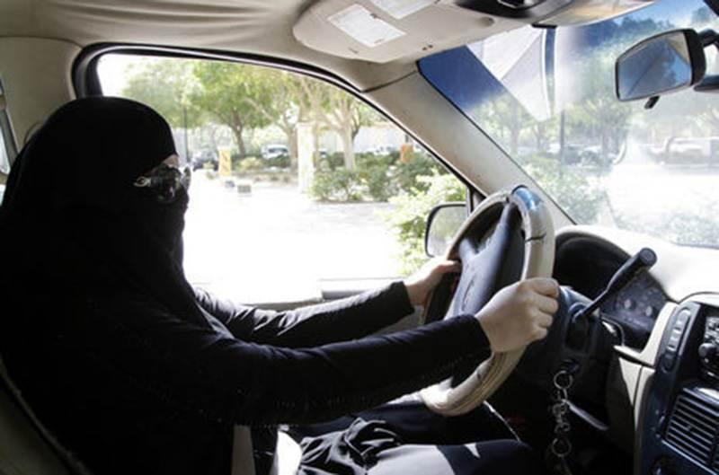 В Саудовской Аравии женщины получили право водить автомобиль