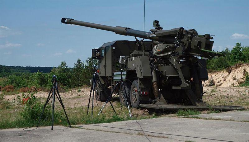 Поляки скрестили автомобиль и 155-мм гаубицу