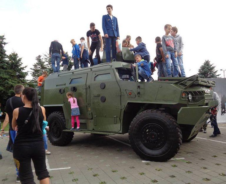 Как день танкиста отметили в Минске