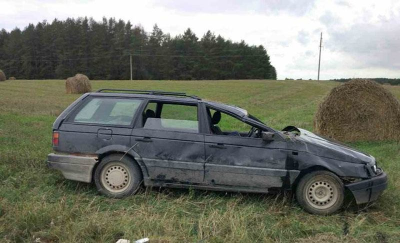 В Слонимском районе перевернулся автомобиль с детьми