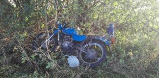 Под Каменцем столкнулись два мотоцикла. ДТП обнаружили только через 7 часов.