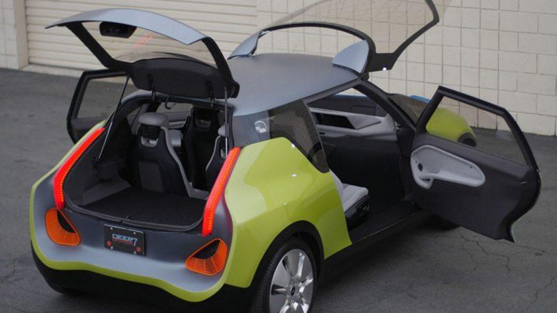 Mini представила автомобиль с двумя багажниками