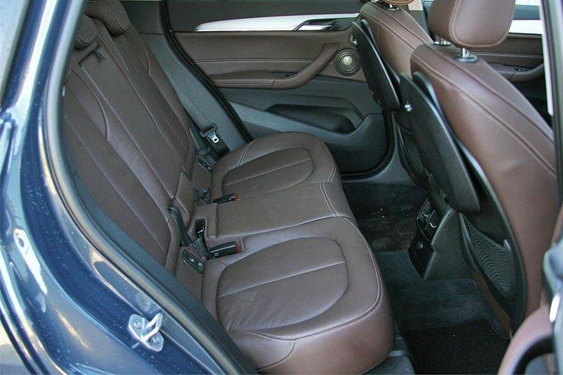BMW X1 и Audi Q3: миникроссоверы для сибаритов