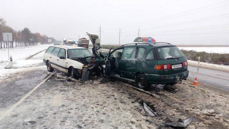 Возле Могилева столкнулись две легковушки. Пострадало 5 человек.