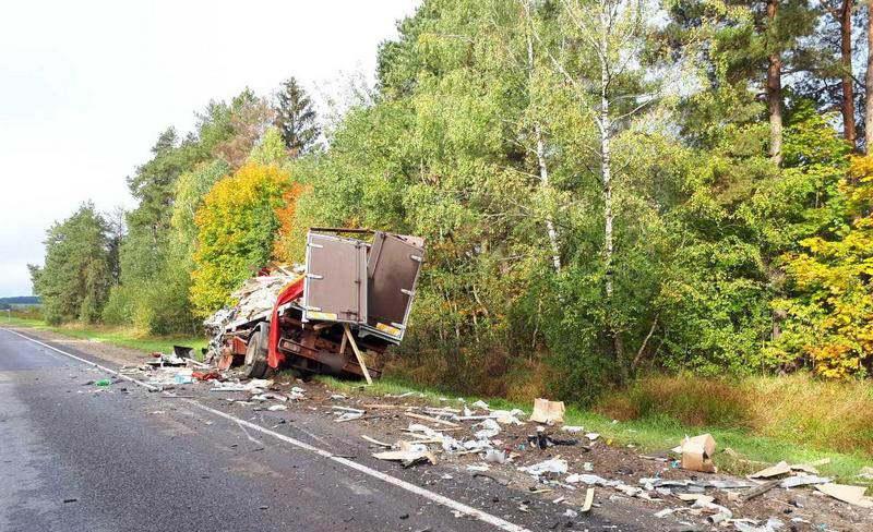 В Ляховичском районе столкнулись две фуры. Погиб польский дальнобойщик