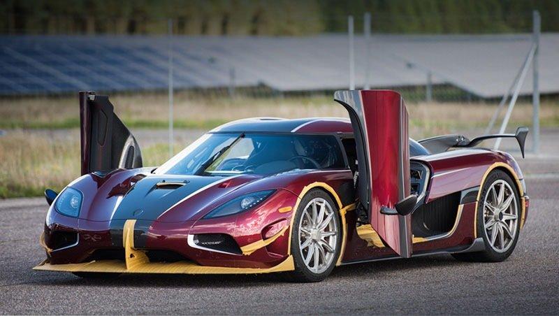 Koenigsegg побил Bugatti в спринте