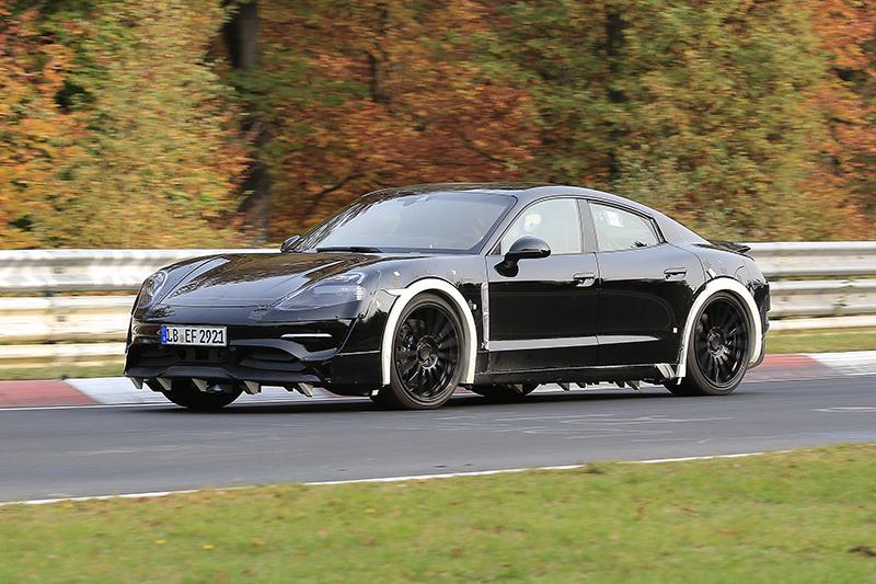 Электрический Porsche выкатился на Нюрбургринг