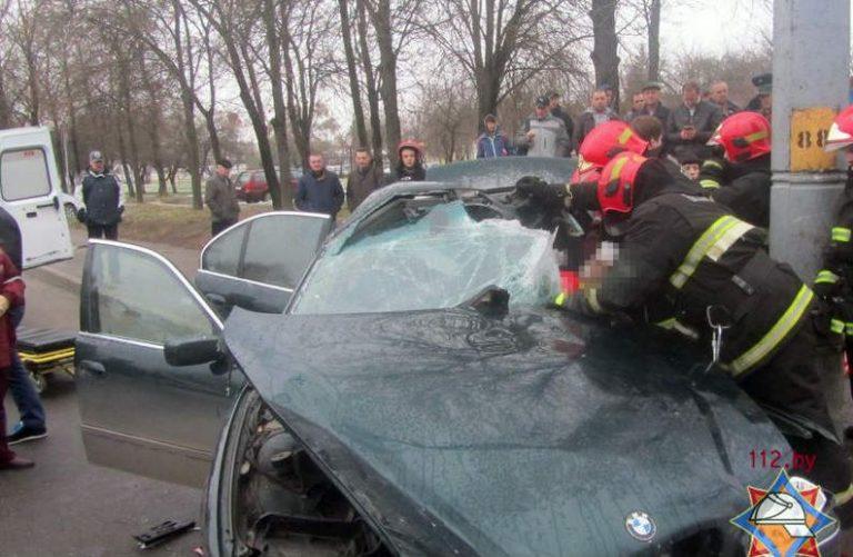 В Гродно BMW въехал в столб