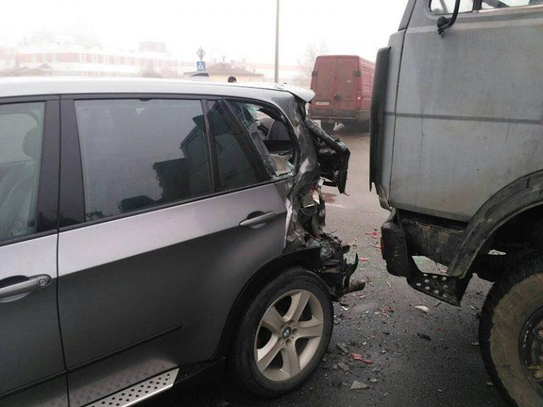 ДТП с участием трех автомобилей произошло в Минске