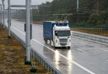 В США открылось шоссе для электрогрузовиков с токосъёмниками