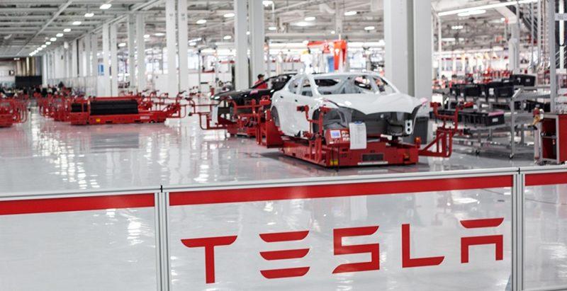 Компания Tesla Motor сообщила об рекордных убытках