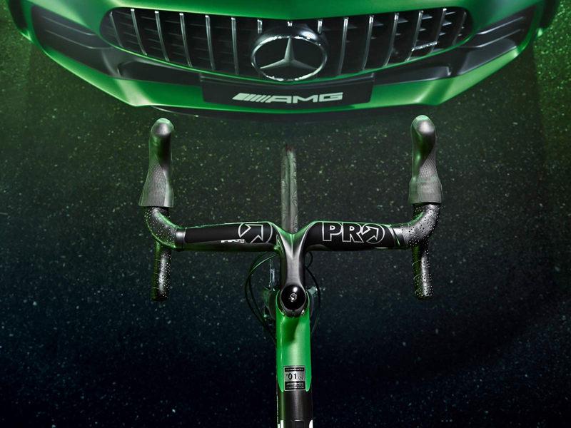 Mercedes-Benz поддался моде на спортивные велосипеды