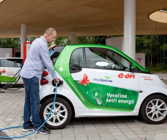 Путешествовать на электромобиле по Европе станет удобнее
