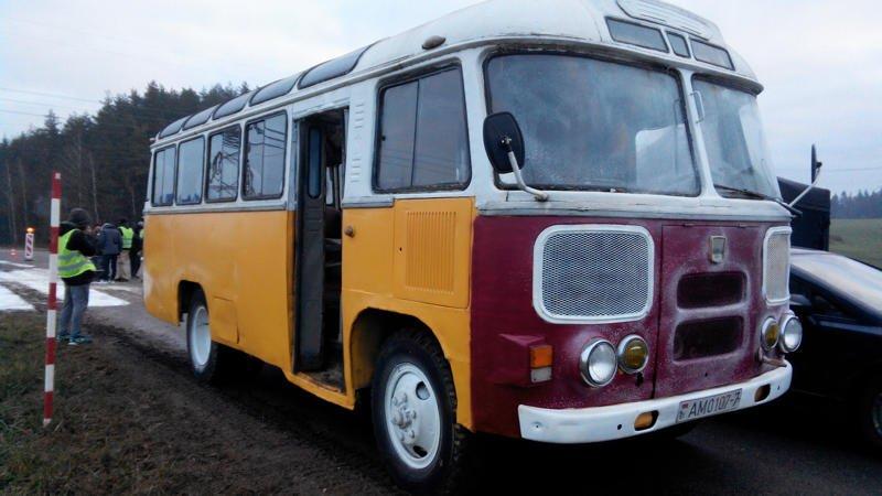 Новогодний автобус ПАЗ-672