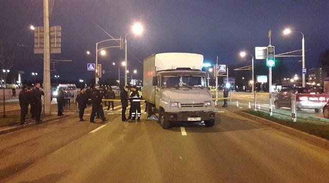 В Минске грузовик въехал в пешеходов: погибла 11-летняя девочка