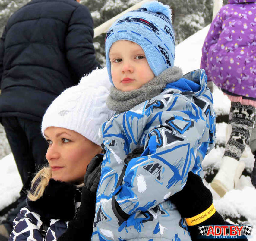 Завершающая гонка сезона, проходящая под названием «Рождественские гонки», а также 12-ый этап кубка СДЮСТШ ДОСААФ состоялись в Боровой в минувшее воскресенье