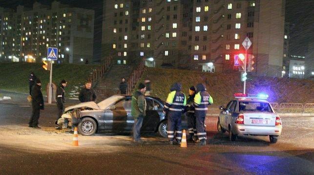 В Гродно пьяный водитель на Hyundai въехал в Seat