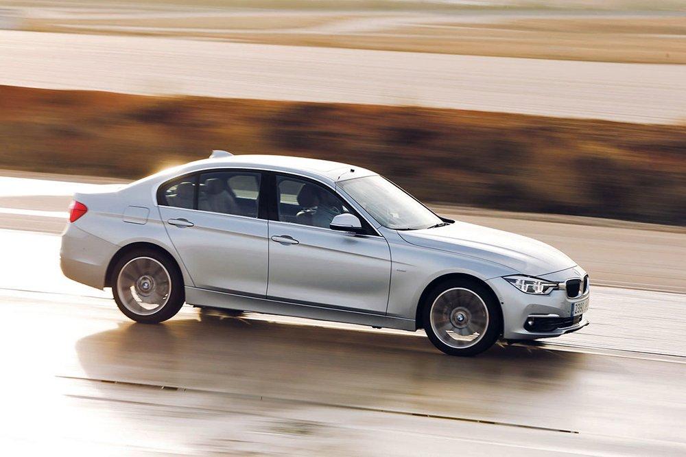 Сравнительный тест автомобилейAudi A4, BMW 3 и Mercedes-Benz С-класса