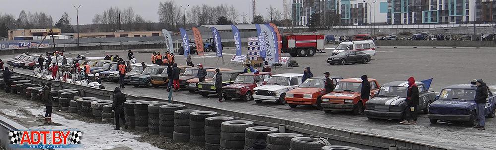 Построение участников чемпионата 2018 по трековым гонкам