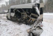 В Узденском районе столкнулись маршрутка, грузовик и легковушка