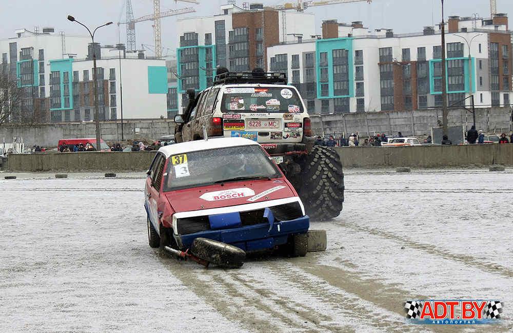 Машина Артура Квиткевича увозилась с трассы биг-футом
