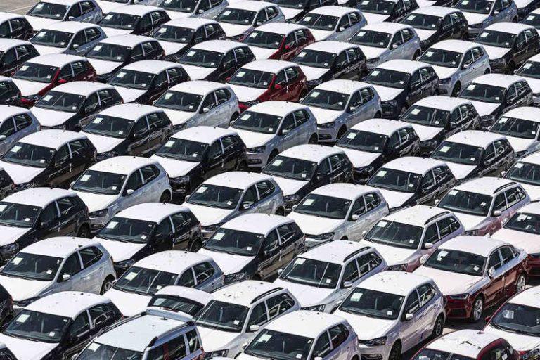 Европейцы стали покупать больше новых автомобилей