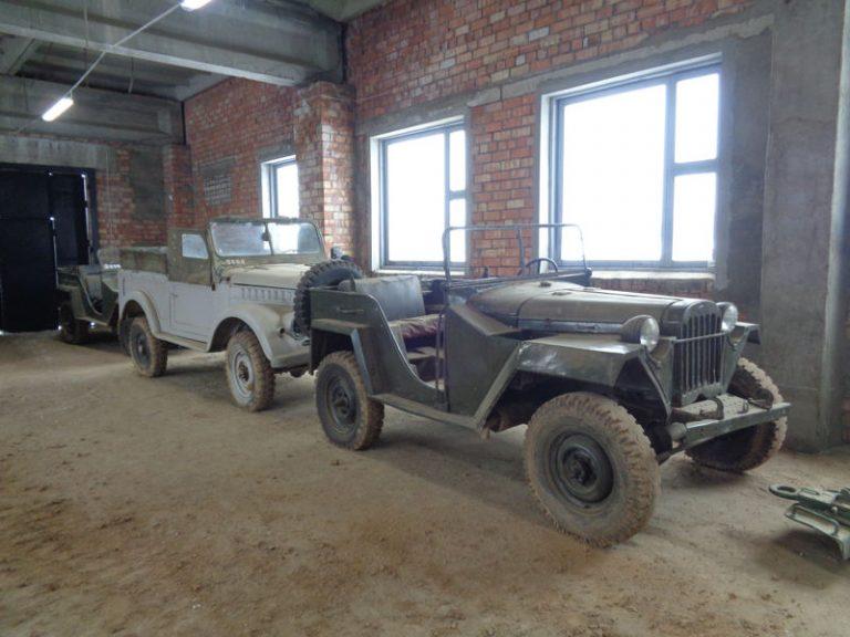 Автомобили - экспонаты выставки