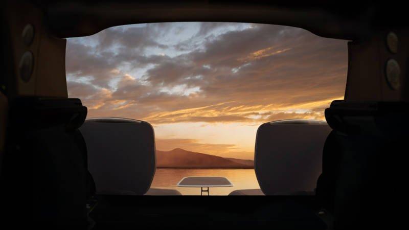 Rolls-Royce опубликовал тизеры фрагмента интерьера будущего внедорожника Cullinan