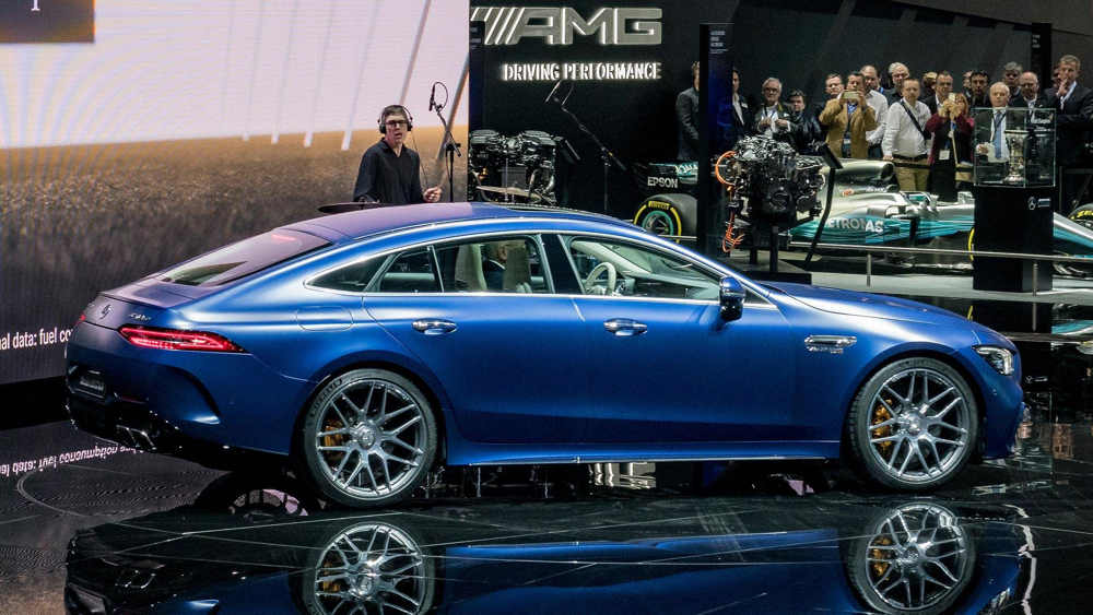 Mercedes-Benz представил в Женеве спортбек AMG GT 4-Door Coupe