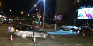 На перекрестке Есенина – Рафиева столкнулись Volkswagen и KIA