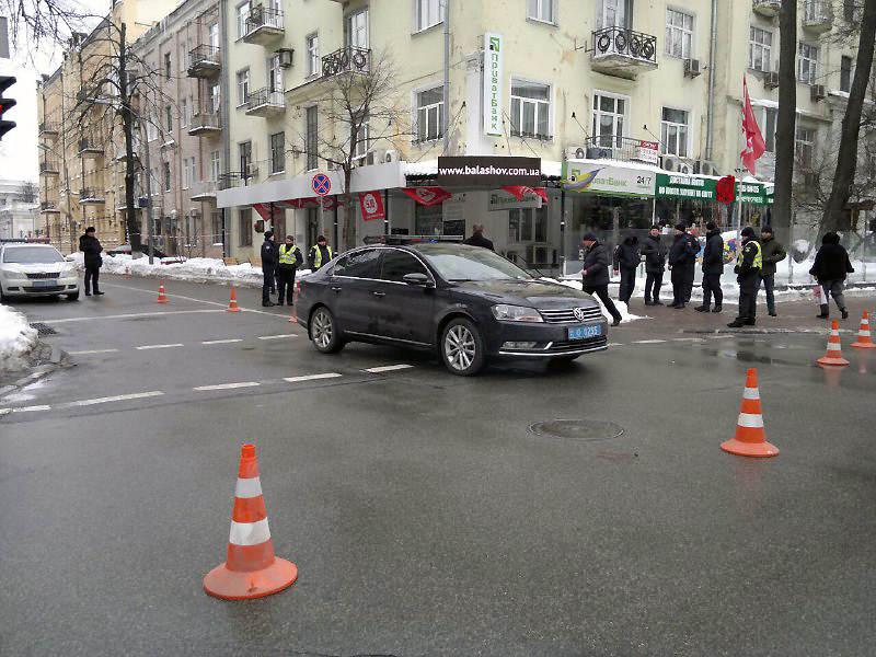 В Киеве кортеж Порошенко сбил пенсионера