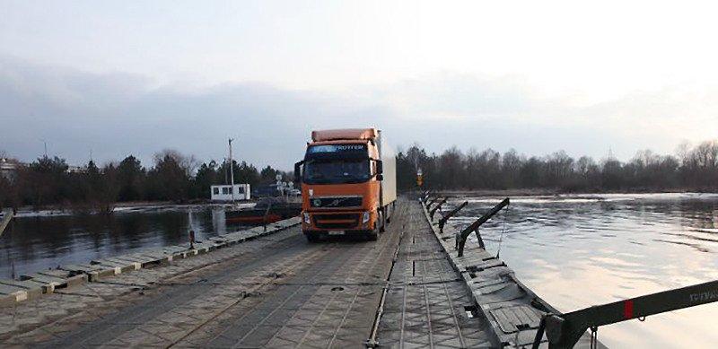 открыли движение по потонному мосту