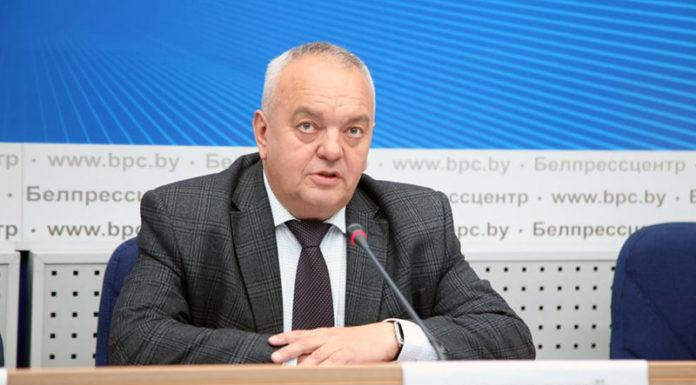 первый заместитель министра промышленности Геннадий Свидерский