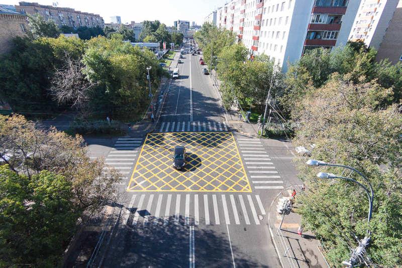 В России вступили в силу поправки о «вафельницах» на перекрестках
