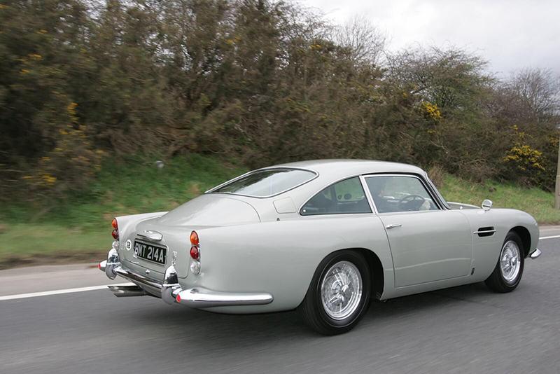 Aston Martin DB5 Джеймса Бонда