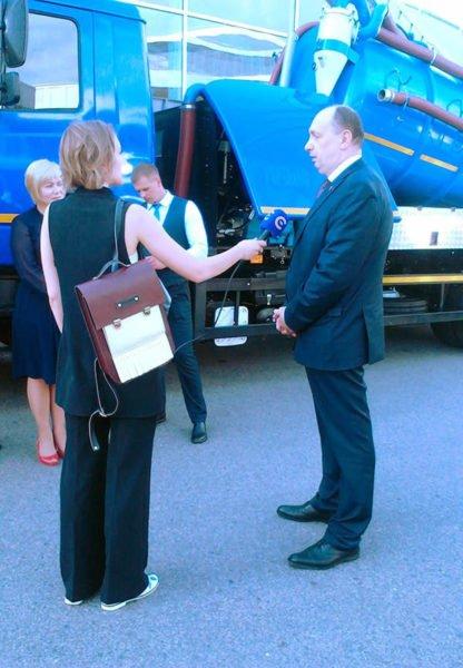 Виталий Вовк дает интервью журналистам