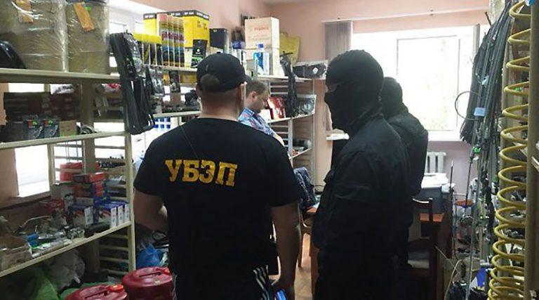 Витебские спецслужбы раскрыли коррупционную схему поставок автозапчастей