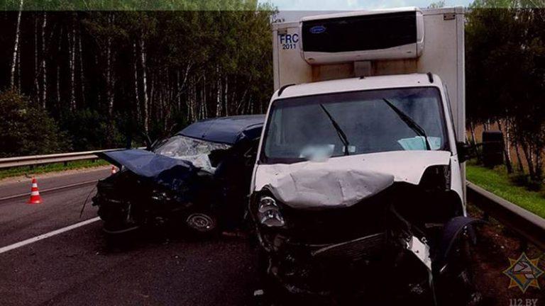В Молодеченском районе столкнулись 3 автомобиля