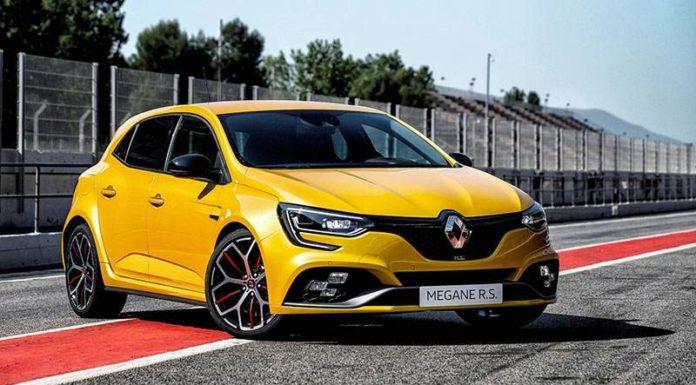 Renault Megane RS Trophy стал практичнее и быстрее