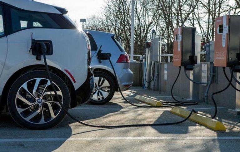 Президент Беларуси подписал указ по стимулированию использования электромобилей