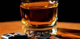 Пьяный бесправник съехал в кювет на ремонтируемом им чужом автомобиле